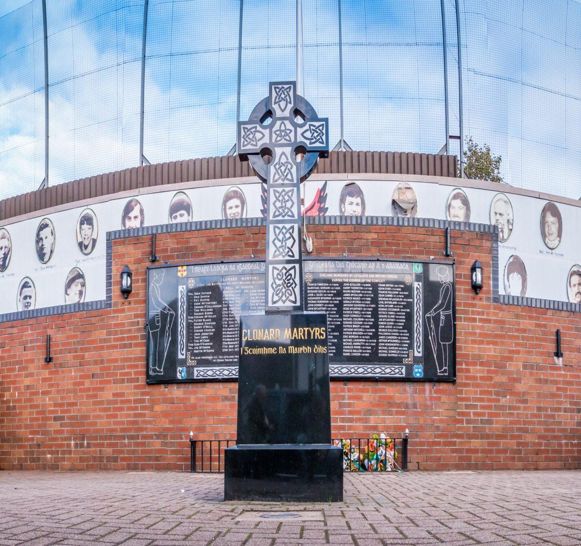 Belfast Peace Wall Northern Ireland